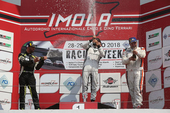 Podio Master Gara 2: Massimiliano Gagliano, Francesco Savoia, GretaRacing MS, Gunter Benninger, Team Wimmer Werk Motorsport