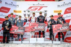 Silver-Podium: 1. #89 Akka ASP Team Mercedes-AMG GT3: Nico Bastian, Thomas Neubauer, 2. #62 R-Motorsport Aston Martin Vantage AMR GT3: Aaro Vainio, Hugo de Sadeleer, 3. #56 Attempto Racing Audi R8 LMS GT3: Milan Dontje, Mattia Drudi