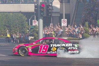 Martin Truex Jr., Joe Gibbs Racing, Toyota Camry Bass Pro Shops/Tracker Off Road