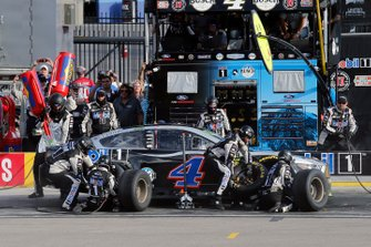 Kevin Harvick, Stewart-Haas Racing, Ford Mustang Mobil 1 pit stop