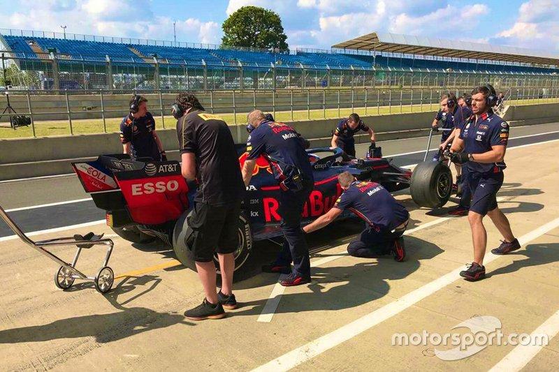 Pierre Gasly, Red Bull Racing, Test Pirelli a Silverstone