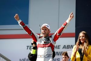 Podium: third place and Champion René Rast, Audi Sport Team Rosberg