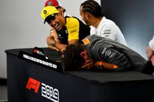 Daniel Ricciardo, Renault F1 Team and Lando Norris, McLaren laughing in the Press Conference
