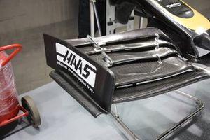 Detalle del alerón delantero del Haas F1 Team VF-19