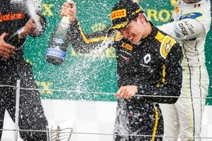 Race winner Jack Aitken, Campos Racing celebrates on the podium with the champagne