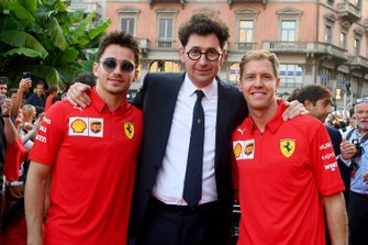 Charles Leclerc, Ferrari, Sebastian Vettel, Ferrari, Mattia Binotto, Team Principal Ferrari