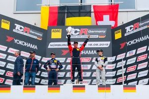 Podium : le vainqueur Thierry Neuville, Hyundai, le deuxième, Max Hesse, Hyundai, le troisième, Julien Apothéloz, Topcar Sport