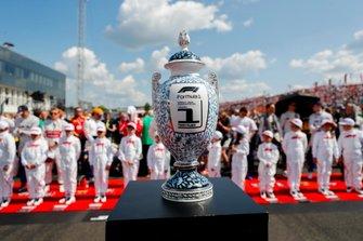 Кубок за победу в Гран При Венгрии