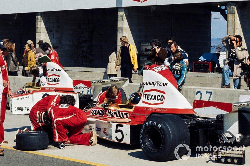 Emerson Fittipaldi, McLaren, Denny Hulme, McLaren