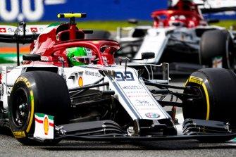 Antonio Giovinazzi, Alfa Romeo Racing C38 and Kimi Raikkonen, Alfa Romeo Racing C38