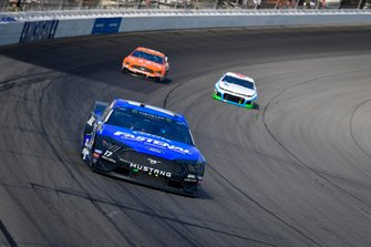 Ricky Stenhouse Jr., Roush Fenway Racing, Ford Mustang Fastenal, Daniel Suarez, Stewart-Haas Racing, Ford Mustang ARRIS, Darrell Wallace Jr., Richard Petty Motorsports, Chevrolet Camaro Victory Junction