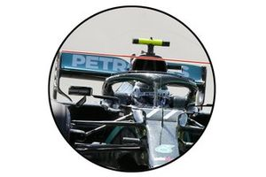 Mercedes AMG F1 W11, rear wing angled