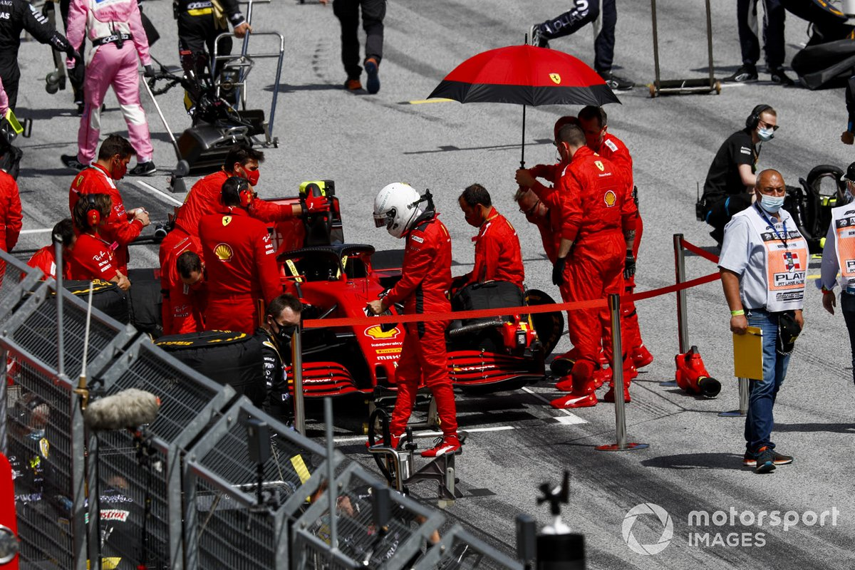 Sebastian Vettel, Ferrari SF1000, on the grid