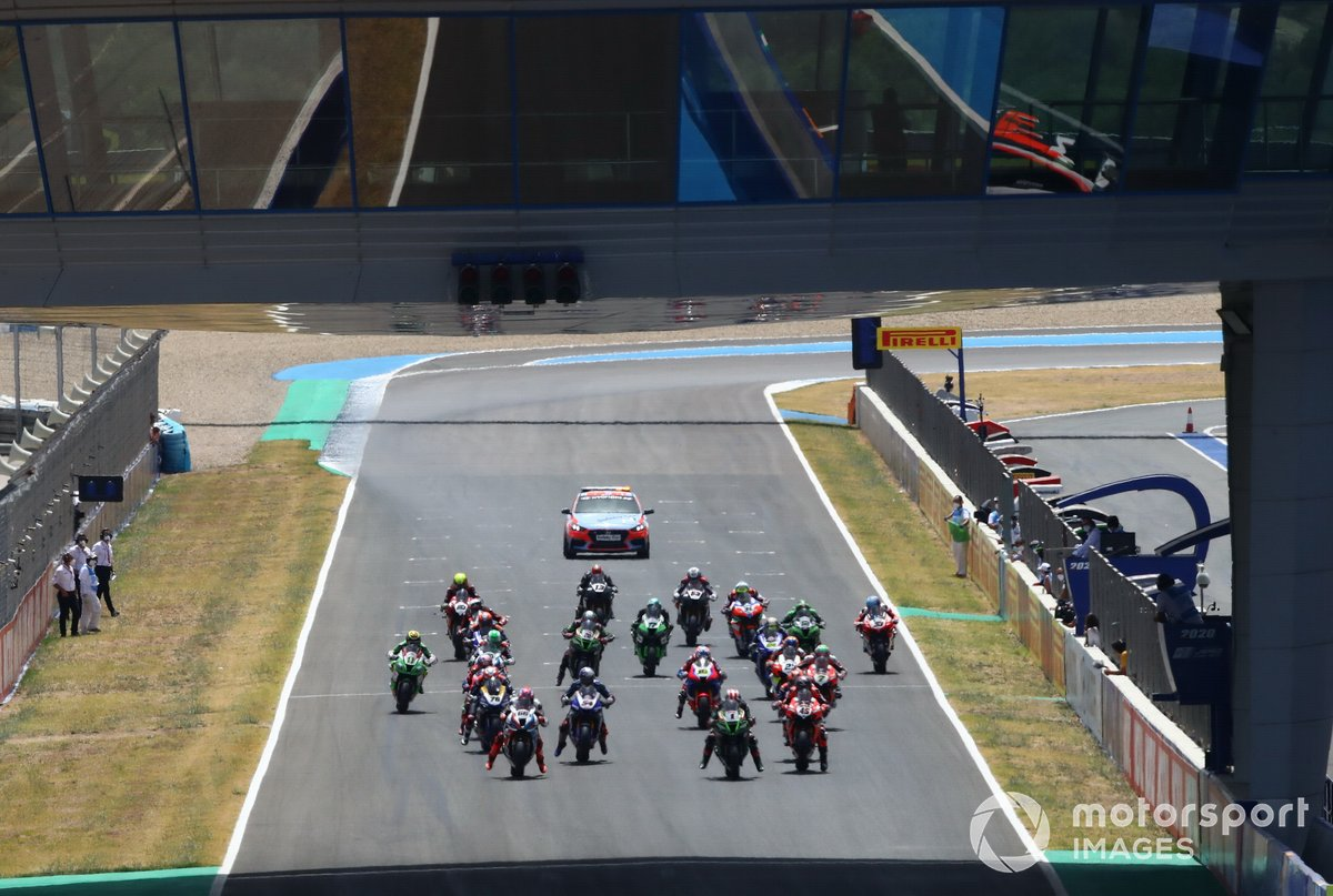 Jonathan Rea, Kawasaki Racing Team líder al inicio