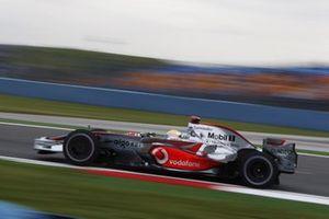 Lewis Hamilton, McLaren MP4-23 Mercedes