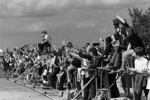 Les fans en bord de piste