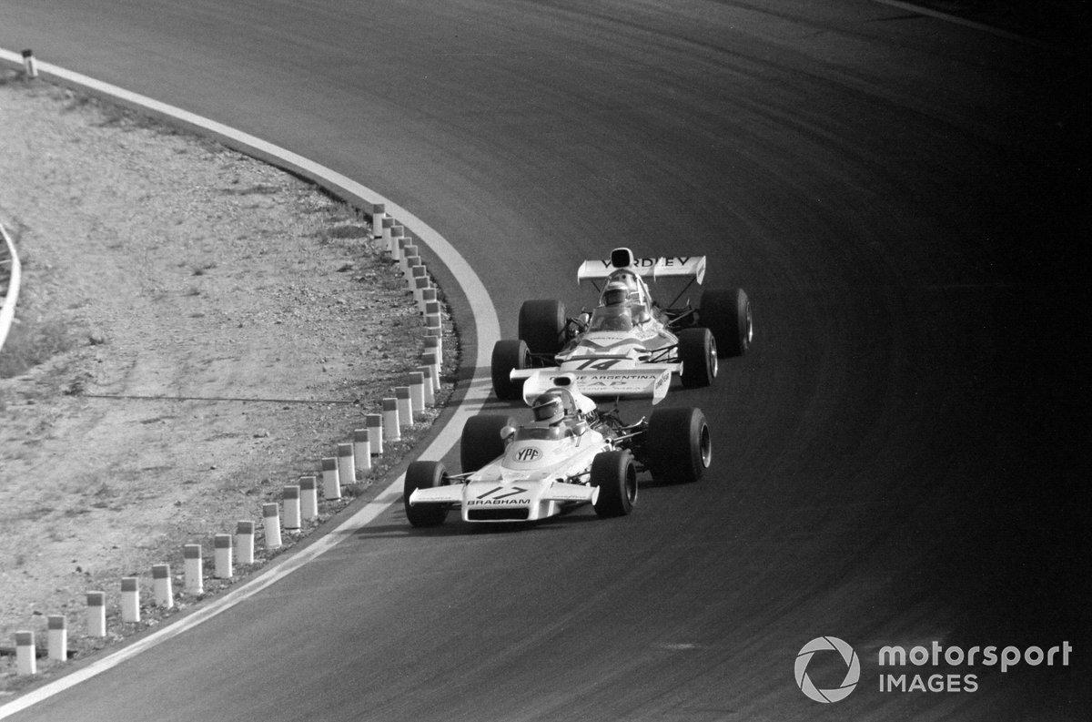 Carlos Reutemann, Brabham BT37 Ford precede Peter Revson, McLaren M19C Ford