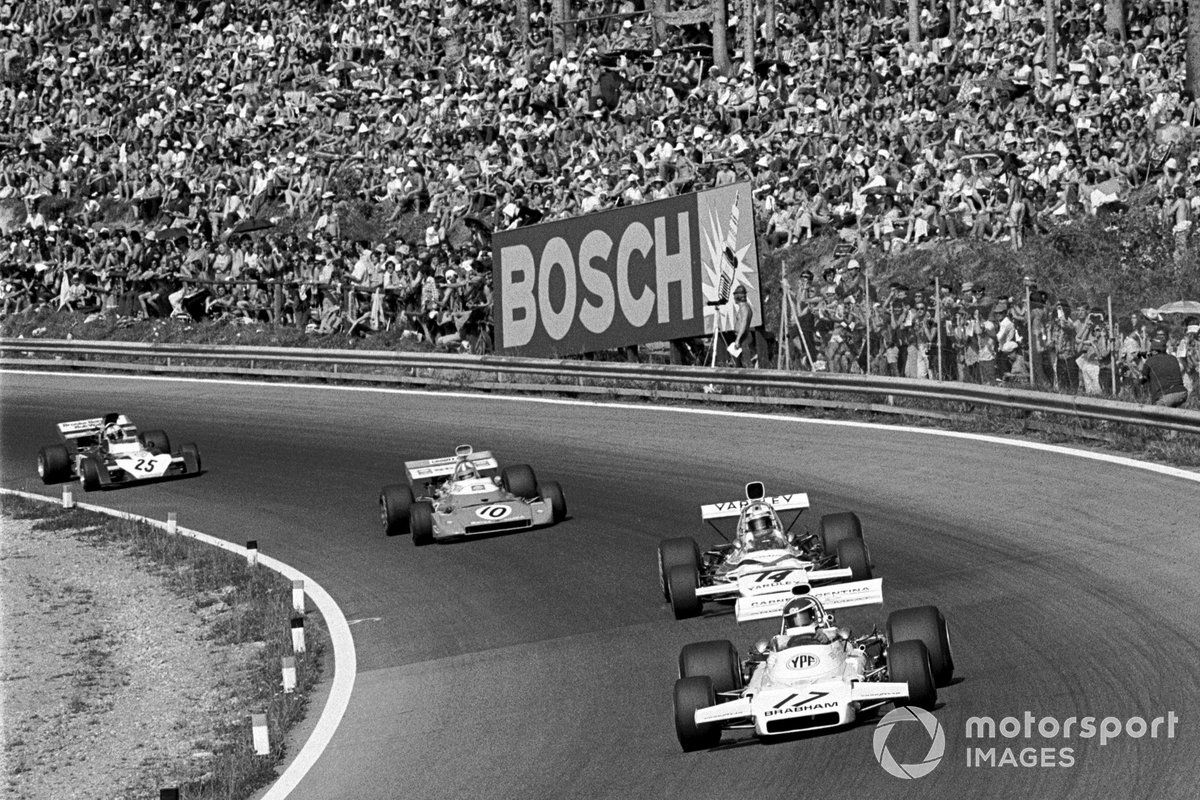 Carlos Reutemann, Brabham BT37, Peter Revson, Mclaren M19C, Chris Amon, Matra MS120D, y Mike Hailwood Surtees, TS9B