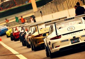 Alinhamento de carros da Porsche Cup Brasil