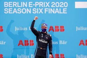 Stoffel Vandoorne, Mercedes Benz EQ, 1st position,