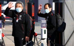 ماساشي ياماموتو، رئيس هوندا موتورسبورت وتويوهارو تانابي، المدير التقني لهوندا