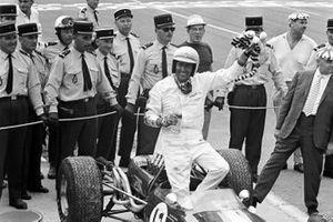 1. Jack Brabham, Brabham BT19