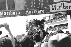 Race Winner Jackie Stewart, Tyrrell 003 Ford