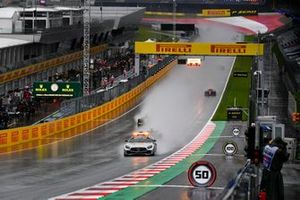 The Safety Car leads Yuki Tsunoda, Carlin, Guanyu Zhou, UNI-Virtuosi, and Jehan Daruvala, Carlin