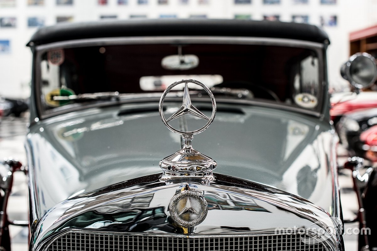 Emblema da Mercedes