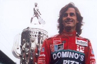 Race winner Arie Luyendyk, Shierson Lola Chevrolet