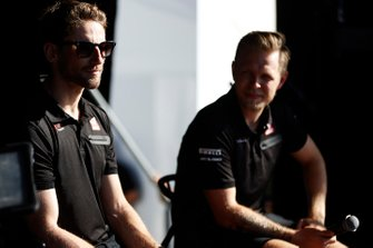 Romain Grosjean, Haas F1 and Kevin Magnussen, Haas F1 Team