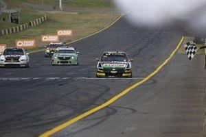 Yarış galibi Jack Le Brocq, Tickford Racing Ford