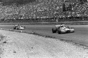 Tim Schenken, Brabham BT33 Ford, Emerson Fittipaldi, Lotus 72D Ford