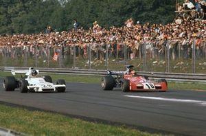 Graham Hill, Brabham BT37 Ford, alongside Niki Lauda, March 721G Ford