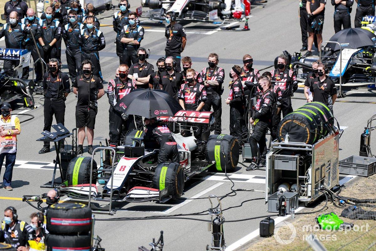 Auto di Romain Grosjean, Haas VF-20 sulla griglia