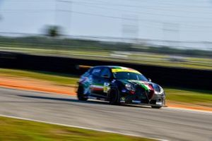 #5 Alfa Romeo Giulietta TCR, KMW Motorsports with TMR Engineering, Roy Block, Tim Lewis Jr.