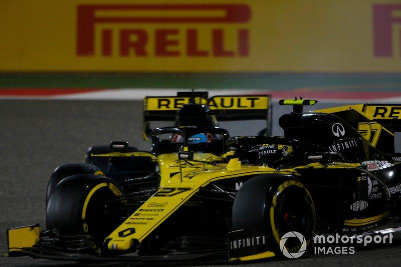 Nico Hulkenberg, Renault R.S. 19, lotta con Daniel Ricciardo, Renault R.S.19