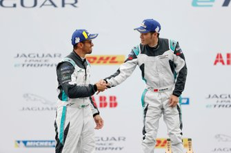 PRO AM winner Yaqi Zhang, Team China celebrates with Bandar Alesayi, Saudi Racing, 2nd position
