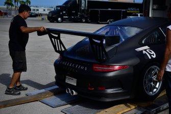 Crews unload the #19 MP1B Porsche 991 driven by Lino Fayen & Angel Benitez Jr. of Formula Motorsport