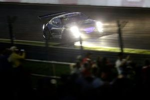 #18 KCMG Nissan GT-R Nismo GT3: Alexandre Imperatori, Oliver Jarvis, Edoardo Liberatiä