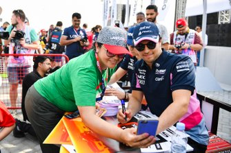 Sergio Perez, Racing Point, meets a fan