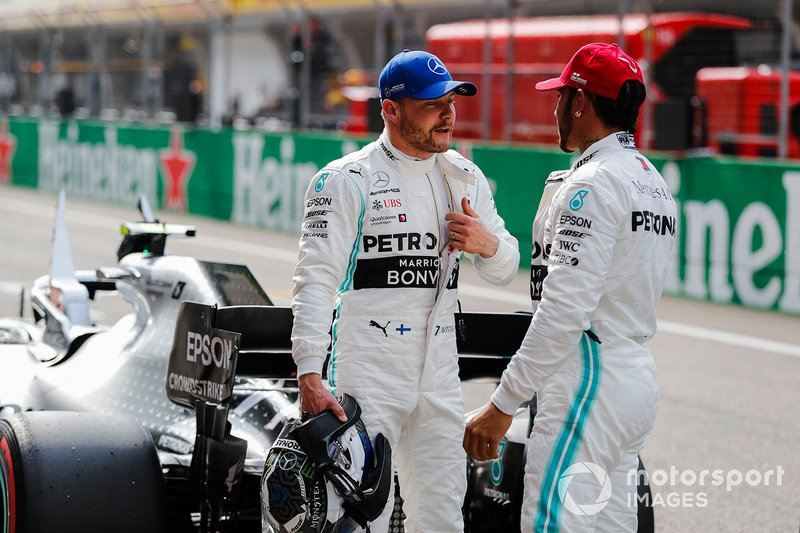 Pole man Valtteri Bottas, Mercedes AMG F1, talks to Lewis Hamilton, Mercedes AMG F1, after Qualifying