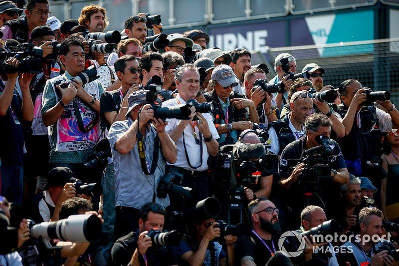 Фотографы и операторы