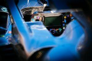 Mercedes AMG F1 W10, direksiyon detay