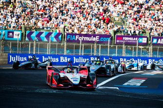 Pascal Wehrlein, Mahindra Racing, M5 Electro Oliver Rowland, Nissan e.Dams, Nissan IMO1, Lucas Di Grassi, Audi Sport ABT Schaeffler, Audi e-tron FE05 as Sébastien Buemi, Nissan e.Dam, Nissan IMO1 activates attack mode to join the others
