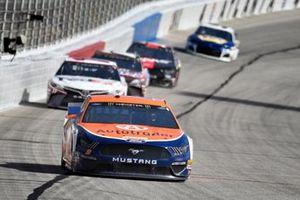Brad Keselowski, Team Penske, Ford Mustang, Denny Hamlin, Joe Gibbs Racing, Toyota Camry FedEx Ground