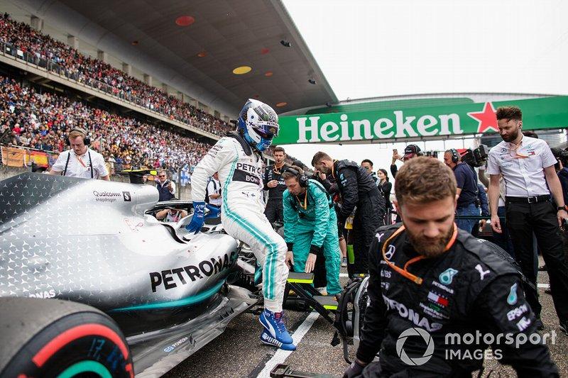 Valtteri Bottas, Mercedes AMG F1, arriva in griglia di partenza