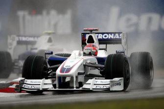 Robert Kubica, BMW Sauber F1.09 with loose nose