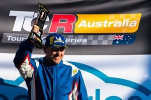 Podium: race winner Jason Bright, Matt Stone Racing celebrates with champagne
