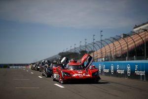 #31 Whelen Engineering Racing Cadillac DPi, DPi: Felipe Nasr, Pipo Derani, Eric Curran, #5 Mustang Sampling Racing Cadillac DPi, DPi: Joao Barbosa, Filipe Albuquerque, Mike Conway